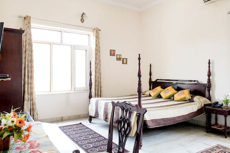 Perfect room for a Sunlight lover :D - Jaipur - Bed & Breakfast