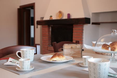 "B&b ""A casa di Claudia"" - Tarquinia - Bed & Breakfast"