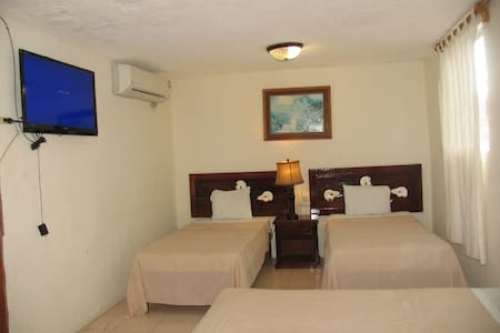 Private room 3 doble beds cap. 6 p - Bed & Breakfast