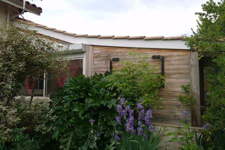 Loft 30 m2 avec terrasse et jardin. - Vindsvåning
