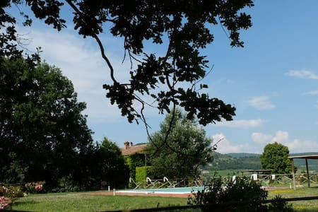 3 bedroom Umbrian villa with pool - Fabro - House