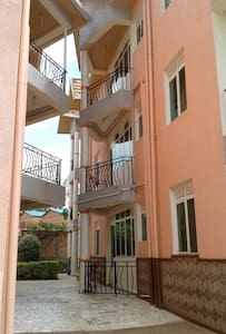 Cheap room for 2 close to Kigali city - Kigali - Appartement