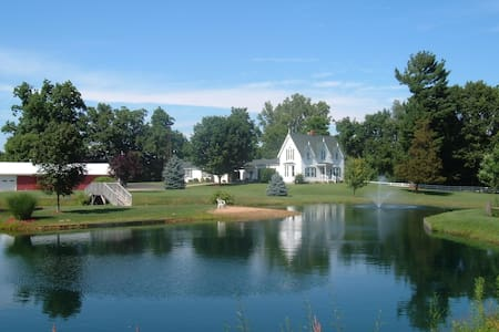 Allegan Country Inn Northern Lights - Allegan - Bed & Breakfast