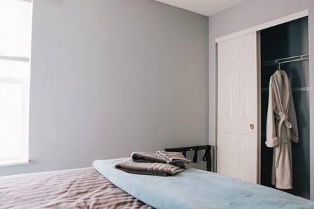 1-2 bedrooms great views - Commerce City - Casa