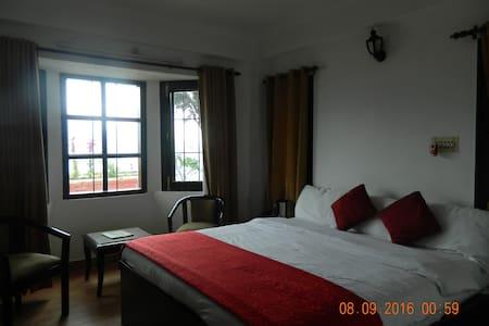 Three Bedroom Villa Near Mashobra( with Breakfast) - Villa