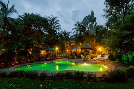 PRIVATE ocean view 2-bedroom villa within La Ponderosa. Access to shared pool, game room, 10 acres of jungle trails. Only steps to the beach. Spacious wrap around balcony upstairs is perfect for observing wildlife. Daily maid service is included.