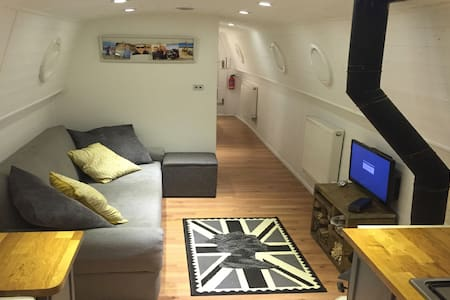 Cosy & Modern Canal Boat - Bletchley - Boot