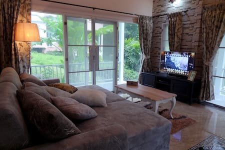 Brookside Valley Bungalow in Rayong 2 - Flat