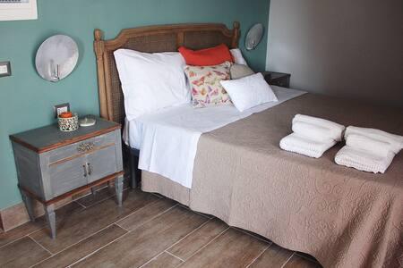 """La Marina """"Stanza Corallo"""" - Marina di Camerota - Bed & Breakfast"""