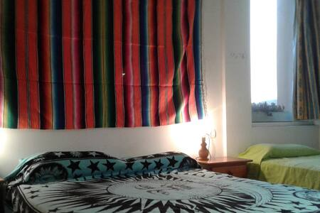 Nice bedroom for 3 people in house with garden - Siesta - Cabin