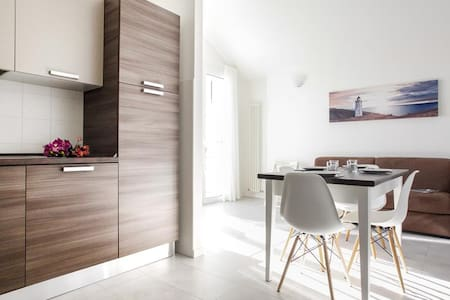 Bright apartment with parking and pool - Wohnung