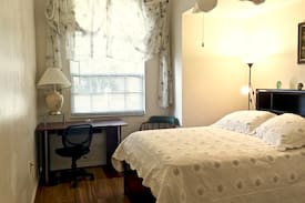 Picture of Comfortable Room Near Wickham Park