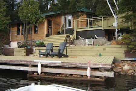 Henderson Hideaway Halliburton Cottage Rental! - Blockhütte