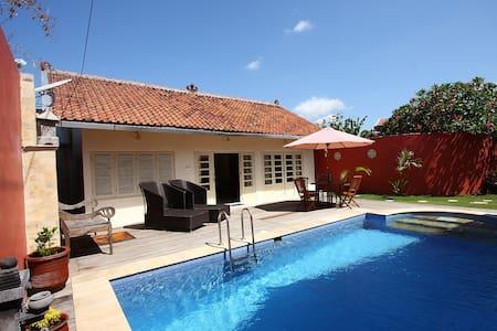 Central 2-person private Pool Villa - Mantrijeron
