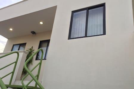Suites amuebladas en la mejor zona comercial!!! - Tuxtla Gutiérrez - Wohnung