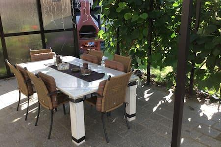 Gemütliche Ferienwohnung auf 80qm - Appartamento