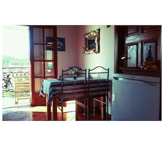 Rustic 2BD in the heart of town - Galaxidi - Apartment