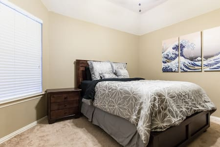 Room in Corinth, Quiet and Close to I-35! - Corinth