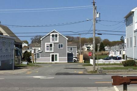 Ocean view cozy modern living - Hampton