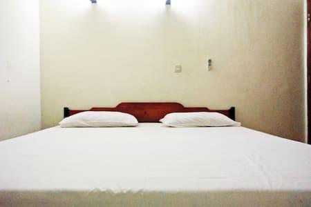BIG BED - Bed & Breakfast