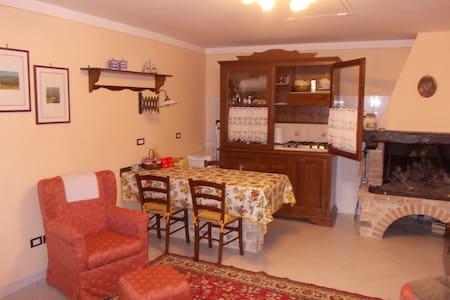 Appartamento in piccolo borgo - Casa