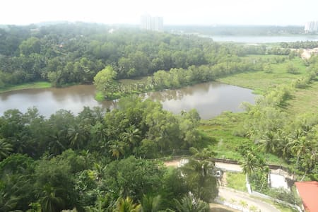 2.5 BHK FURNISHED APARTMENT WITH A LAKE VIEW - Thiruvananthapuram - Flat