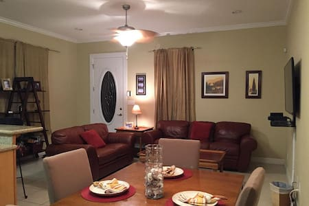 Steps Away from the Sand!! 2bd 2bth - South Padre Island - Condominium