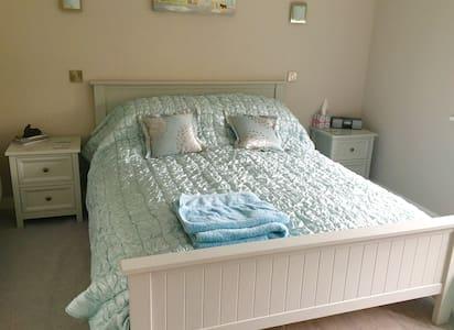 Modern ground floor ensuite room for 1 or 2 people - Stiffkey - Bed & Breakfast