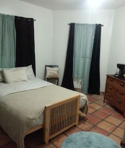 Privat room, home on the water, mm5 - Cayo Hueso - Casa