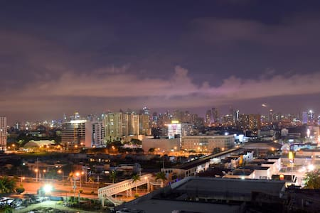 1BR with Views @ Shell Residences next to Sea, MOA - Wohnung