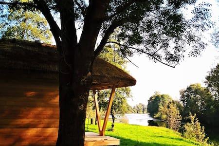 Glamping house on the river Kolpa - Gradac - Bed & Breakfast