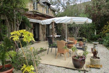 Les Jasmines - Sacey - House