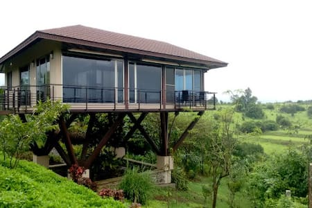 Unexplora,The Lake view villa at Vaitarna-Igatpuri - Villa