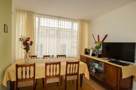 Fully equipped apartment close to main square - Apartment
