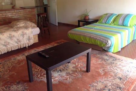 Chambre confortable région de Duras - Dům