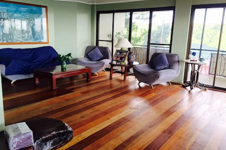 One bedroom w beautiful Taal view - Tagaytay city