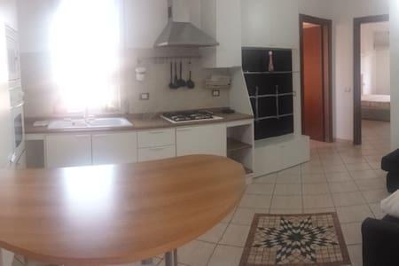 Grazioso appartamento a Binasco (MI) - Wohnung