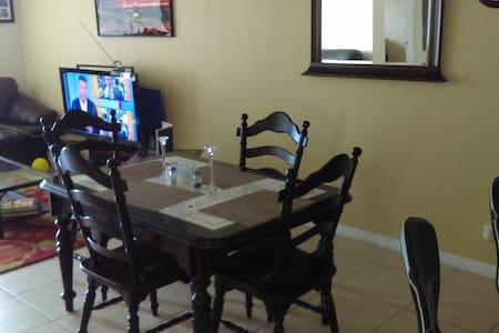 Armando's  Condominium - Lägenhet