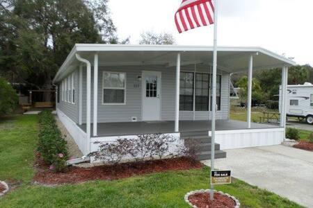 River Ranch Vacation Getaway - House