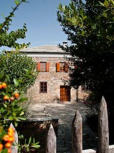 Traditional Stone Villa - Huis