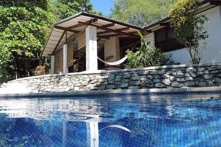 Playa Guiones Cottage - K Section - Rumah