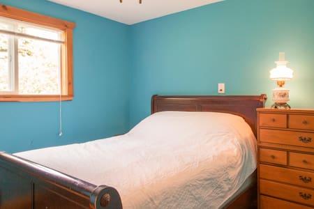 Ithaca Area Farmstay Double Room Package - Spencer - Bed & Breakfast