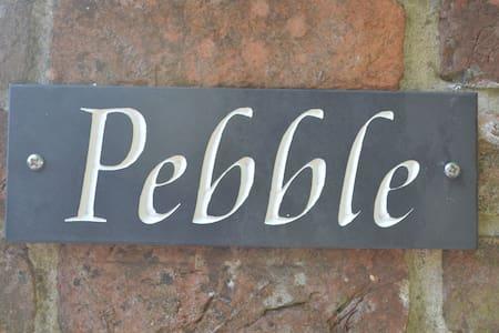 """Pebble"", Isle of Wight - Isle of Wight - Bungalow"