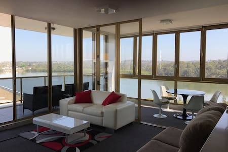 Luxurious 2 bedroom with water views - Rhodes - Apartment