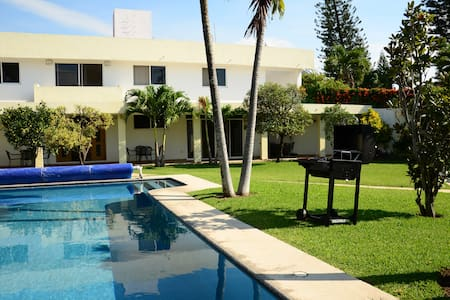 Súper residencia de lujo - Tres de Mayo - Rumah