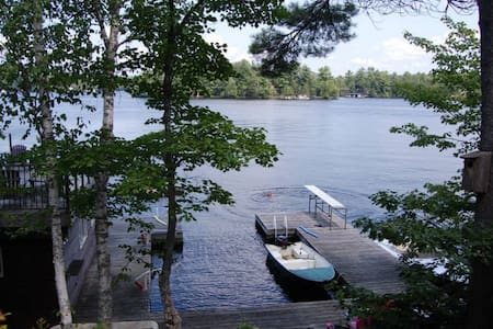 Lake Muskoka Cottage w/bunkie - Cabin