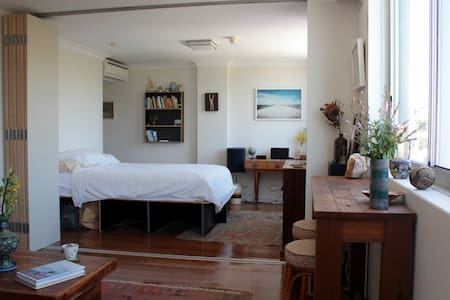 Sun filled apartment in Surry Hills - Surry Hills - Apartment
