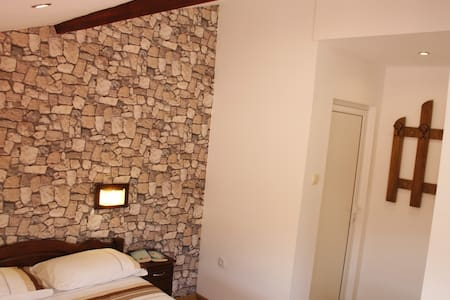 Exclusive Bulgarian Home - Bed & Breakfast