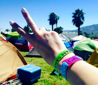 Base Camp: Off-Site Coachella Festival Camping - Tenda