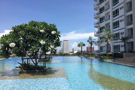 Riverside Studio Flat (Infinity Pool & Gym) - Bangkok - Apartment